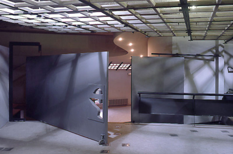 DM-023-077